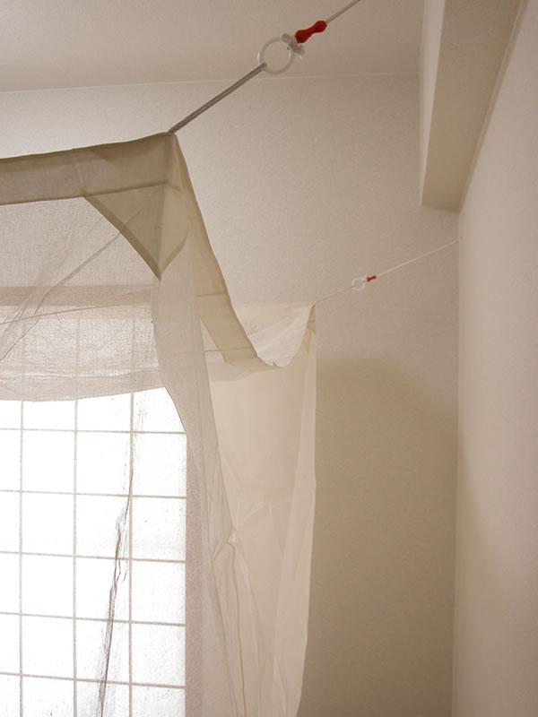 蚊帳の吊り方